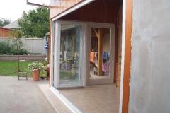 Terasz beépítés harmonika ajtóval